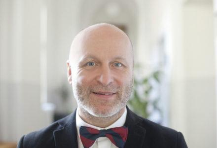 Peter Tavel